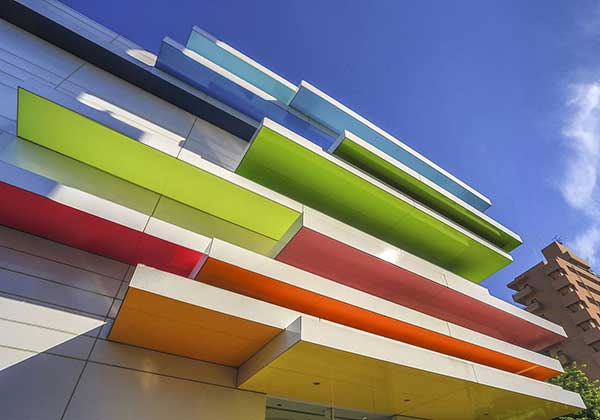 How does aluminum composite panel manufacturer work?